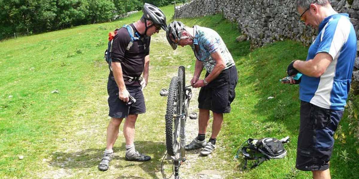 Workshop di manutenzione della bicicletta